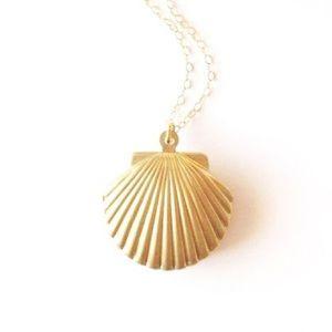 NEW✨ Gold Seashell Mermaid Vintage Locket Necklace